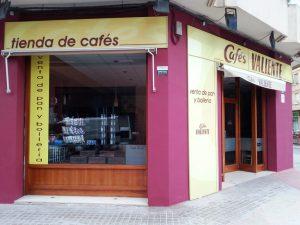 Revestimiento fachada Cafés Valiente